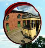 Sehnde bei Hannover/349136/spiegelbild-des-tw-t24-nr-5964 Spiegelbild des TW T24 Nr. 5964 aus Berlin, Bj 1924, Hersteller Hawa befindet sich in Sehnde/Wehmingen am 15.06.2014.